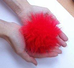 Materiál ručne robený - Kožušinový brmbolec červený - 7477437_