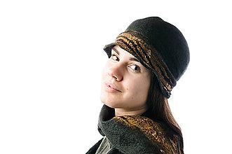 33fc0aa02 Čiapky - Dámsky vlnený klobúk, ručne plstený z extra jemnej Merino vlny,  tmavozelený -