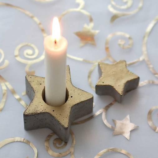 Svietidlá a sviečky - Svietnik v tvare hviezdy, zlatý - 7475857_