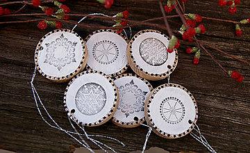 Dekorácie - White snowflakes - 7475557_