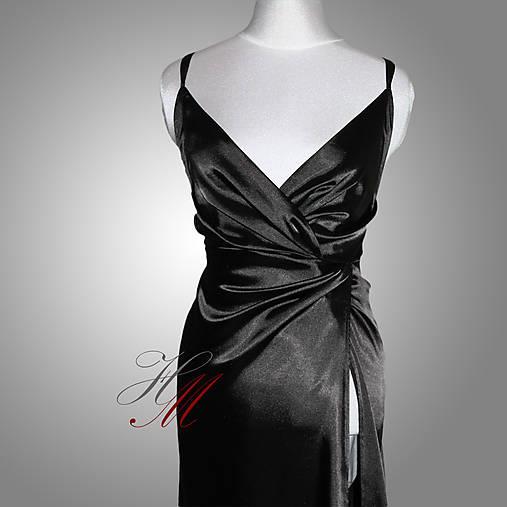 Šaty saténové s odhaleným chrbátom