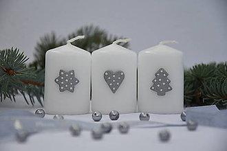 Svietidlá a sviečky - vianočné sviečky so strieborným zdobením - 7489339_