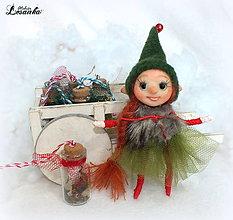 Dekorácie - ♥ Mini bytôstka - Vianočný škriatok Ľubka s prianím ♥ - 7488421_