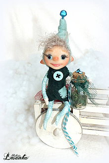 Dekorácie - ♥ Mini bytôstka - Vianočný škriatok Kubo s prianím ♥ - 7488461_
