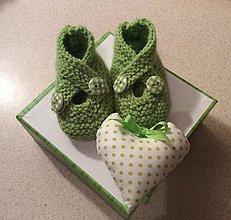Topánočky - pletené papučky pre bábätko - 7489235_
