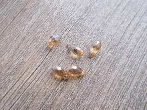 Korálky - brúsená sklenená kvapka zlatá - 7487043_
