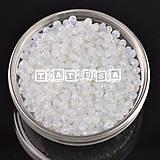 Korálky - Korálky - sklenené brúsené 6x8mm milky  white - 7493883_