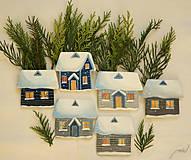 - Vianočné ozdoby - 6 rozsvietených zasnežených domčekov - 7492289_