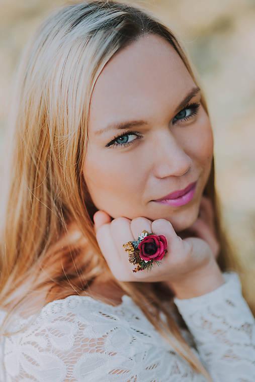 """Kvetinový prstienok """"sviatočná atmosféra"""""""