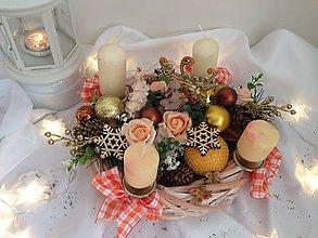 Dekorácie - zlava-Oranžovo- hnedo zlatý adventný vianočný  veniec- 28cm zo zlatým jelenom - 7495823_
