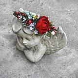 Ozdoby do vlasov - Čelenka zimná, vianočná, na večierok v jasnočervenej s čečinkou a snehom - 7504274_