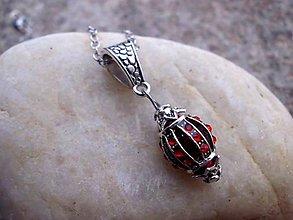 Náhrdelníky - červený náhrdelník - retiazka z chir. ocele - 7502599  d12bec537d6