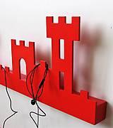 Nábytok - nástenný vešiak/polička 'na hrade' červený - 7502014_
