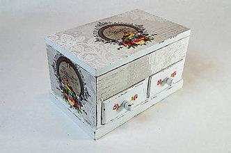 Krabičky - Malá jemná šperkovnica - 7504415_