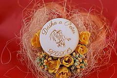 Darčeky pre svadobčanov - Drevená svadobná magnetka ako darček pre hosti 56 - 7502538_