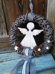 Dekorácie - veniec s anjelikom - 7501271_