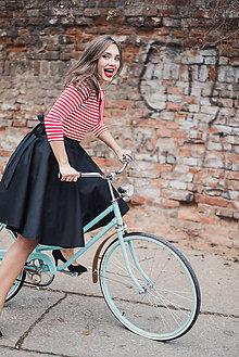 Sukne - Černá kolová sukně s páskem a úchyty - 7505969_