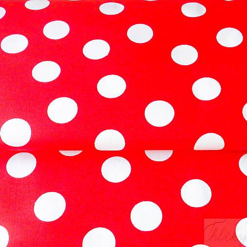 Veľké červené bodky b136ecaf7cd