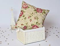 Úžitkový textil - Kvetinový vankúš s nádychom romantiky - 7516079_