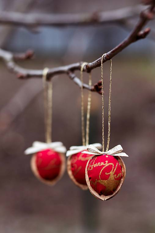 Vianočný oriešok - červený I.