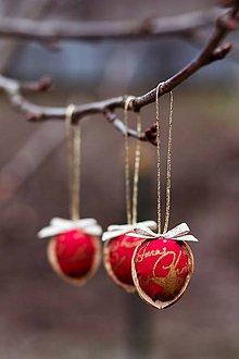 Dekorácie - Vianočný oriešok - červeno-zlatý I. - 7519398_
