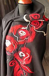 - Zaplstený šálik - Červená ruža - 7522382_