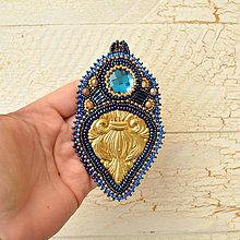 Náhrdelníky - Golden blue thorn- vyšívaný náhrdelník - 7523067_