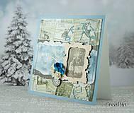 Vianočná pohľadnica vintage modro-béžová s viktoriánskymi vianočnými portrétmi