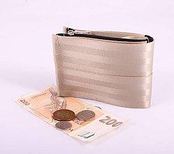 Peňaženky - Pánská peněženka champagne z bezpečnostních pásů - 7530593_