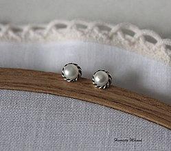 Náušnice - napichovačky biele perly (S) - 7528740_