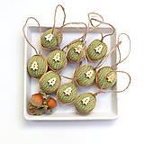 Dekorácie - Bio oriešky zelené s jedličkami (10 ks) - 7532069_