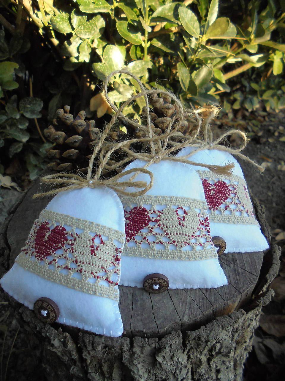 Vianočné zvončeky s paličkovanou čipkou