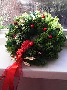 Dekorácie - Vianočný veniec na dvere - 7537446_