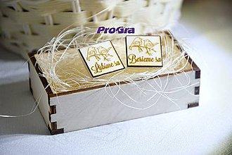 Šperky - Štvorcové drevené manžetky v drevenej krabičke - 7535841_