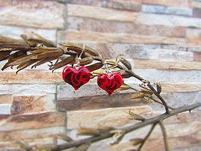 Náušnice - Ornamentové červené srdiečka - 7542526_