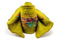 Šály - Dámsky vlnený šál z Merino vlny, ručne plstený, zelený, pestrý - 7549643_