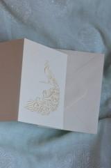 Papiernictvo - Vyšívaná pohľadnica - páv - 7553084_