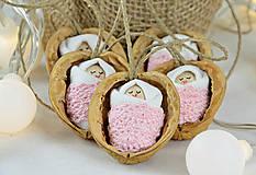 Sada vianočných orieškov s bábätkom, ružová čipka