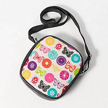 Kabelky - MOOn - Farebné motýle a kruhy na čiernej a fialovej - 7559693_