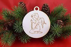 Drevená vianočná ozdoba gravírovaná 64