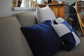 Úžitkový textil - Modrý kašmírový vankúš - 7562859_