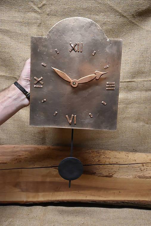Bronzové hodiny č. 37