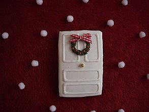 Dekorácie - medovník-vianočný veniec na dverách - 7571397_