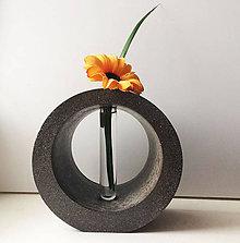 Dekorácie - Betónová dekoračná váza ROTAO so skúmavkou - 7571521_