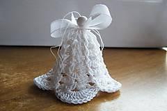 Dekorácie - Biely háčkovaný zvonček - 7572863_