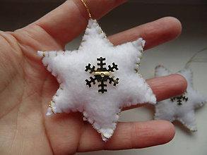 Dekorácie - bielo-zlaté hviezdičky hladké - 7576004_