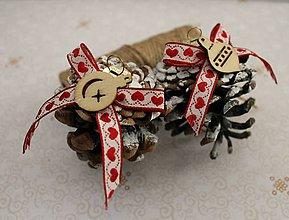 Dekorácie - vianočné ozdoby_ šišky srdiečkové - 7579927_