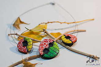 Náhrdelníky - Pestrofarebný náhrdelník s písmenkami - 7581273_
