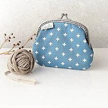 Peňaženky - Peňaženka Krížiky na svetlomodrej - 7580441_
