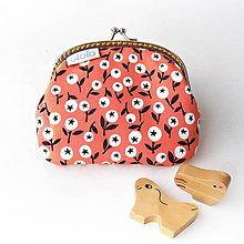 Peňaženky - Peňaženka Malé bobuľky na červenej - 7581800_